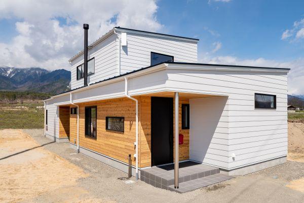 北アルプスを望む平屋ベースで薪ストーブのあるお家 | ココチエ一級建築士事務所