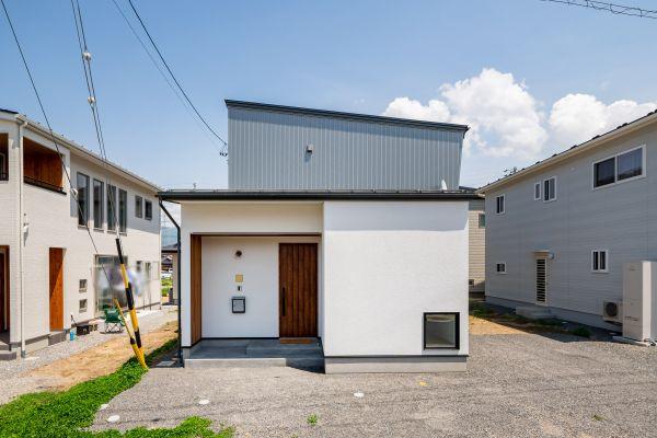 北欧テイストがお好みのオーナーさんが造ったシンプルなおうち | ココチエ一級建築士事務所